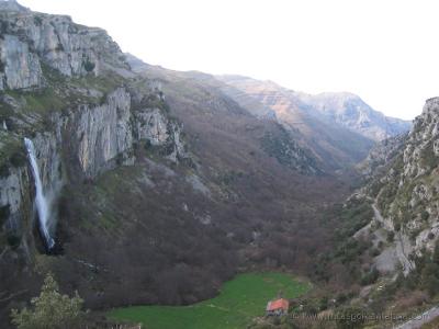 una ruta por el Valle de Soba